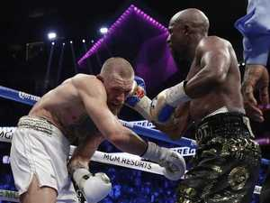 Live: Mayweather defeats McGregor by TKO