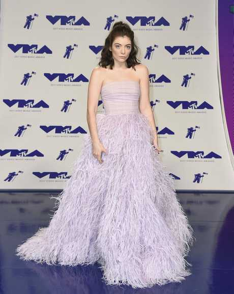 Lorde arrives at the MTV Video Music Awards at The Forum on Sunday, Aug. 27, 2017, in Inglewood, Calif.