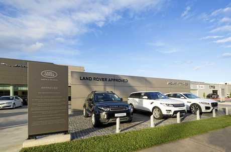The Jaguar and Land Rover Showroom earned Hutchinson Builders the Master Builders Central Queensland Best Commercial Building up to $5m.