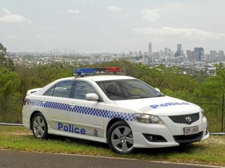The Queensland Police Service used the Toyota Aurion Sportivo SX6 and Prodigy V6 large cars to assist its officers in their daily duties in 2006.