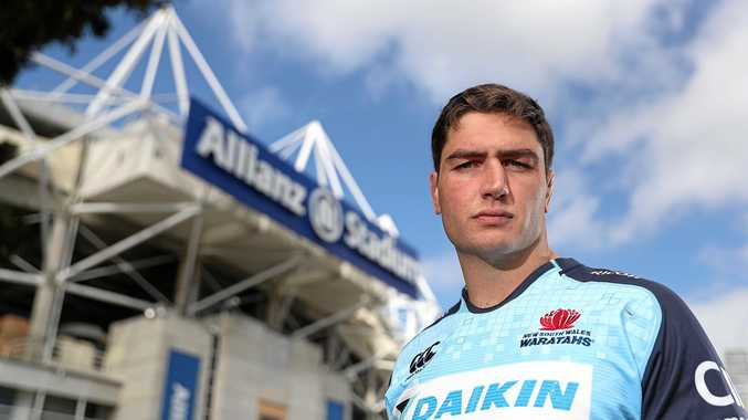 New Waratahs signing Rob Simmons has joined from the Reds.