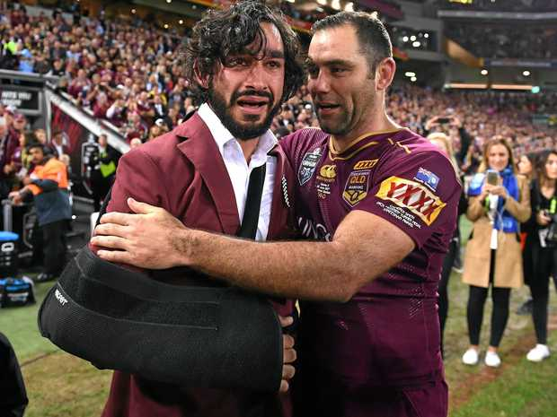 Johnathan Thurston and Cameron Smith after the Maroons' State of Origin game three win.