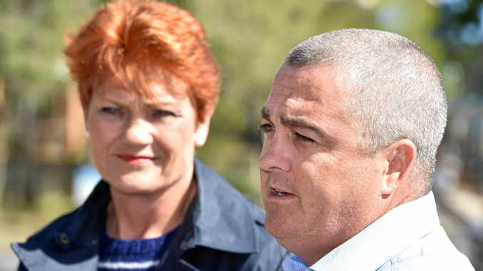 Hinkler One Nation candidate Damian Huxham with senate candidate Pauline Hanson at Toogoom.Photo: Alistair Brightman / Fraser Coast Chronicle