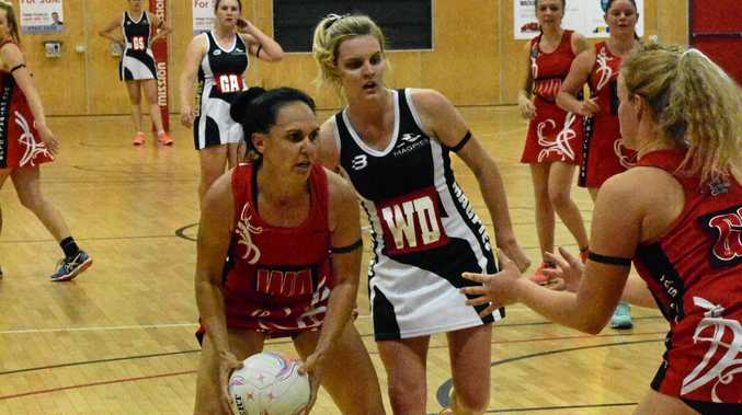 DOWN TO THE WIRE:Magpies and DAS face off in the 2017 netball premier league grand final.