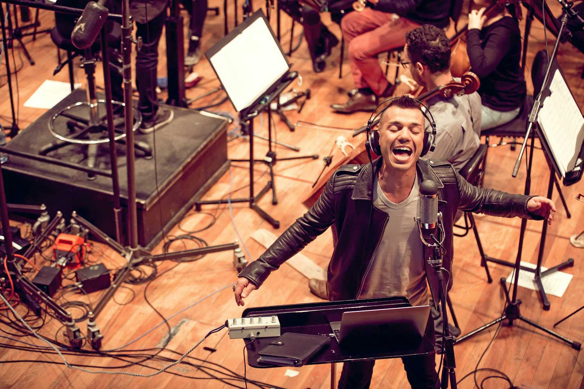 Anthony Callea worked with the Melbourne Symphony Orchestra to record his seventh album, ARIA Number 1 Hits in Symphony.
