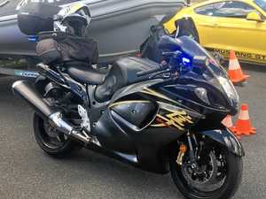 VIDEO: Police riding unmarked superbike