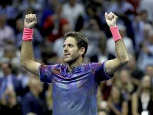 Del Potro plays party pooper with win over Federer