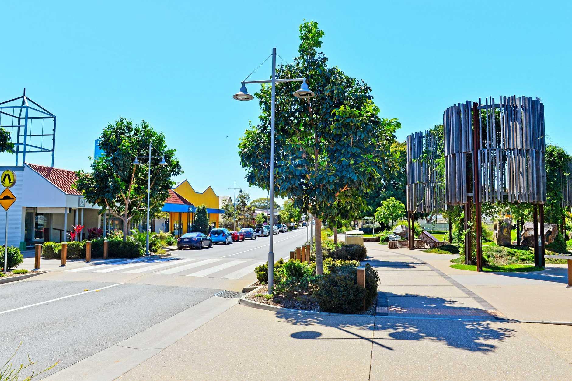 BEERWAH: Simpson Street. The main Street in Beerwah.