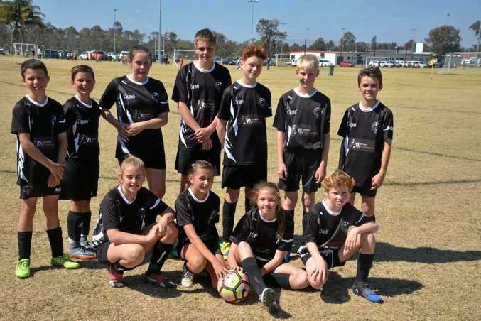 WARWICK PHYSIOWORKS: (Front, from left) Nella Ryan, Xavia Oloman, Ella Briggs, Hayden Fletcher, (back) James Smith, Jakob Butler, Lucy Donovan, Cooper Seng, Kaleb Driscoll, Liam Vickers and Cormac Doolan. Coach Noah Littell, Jake Scott, Connor Smith and Phoenix Crowe are also in the team.