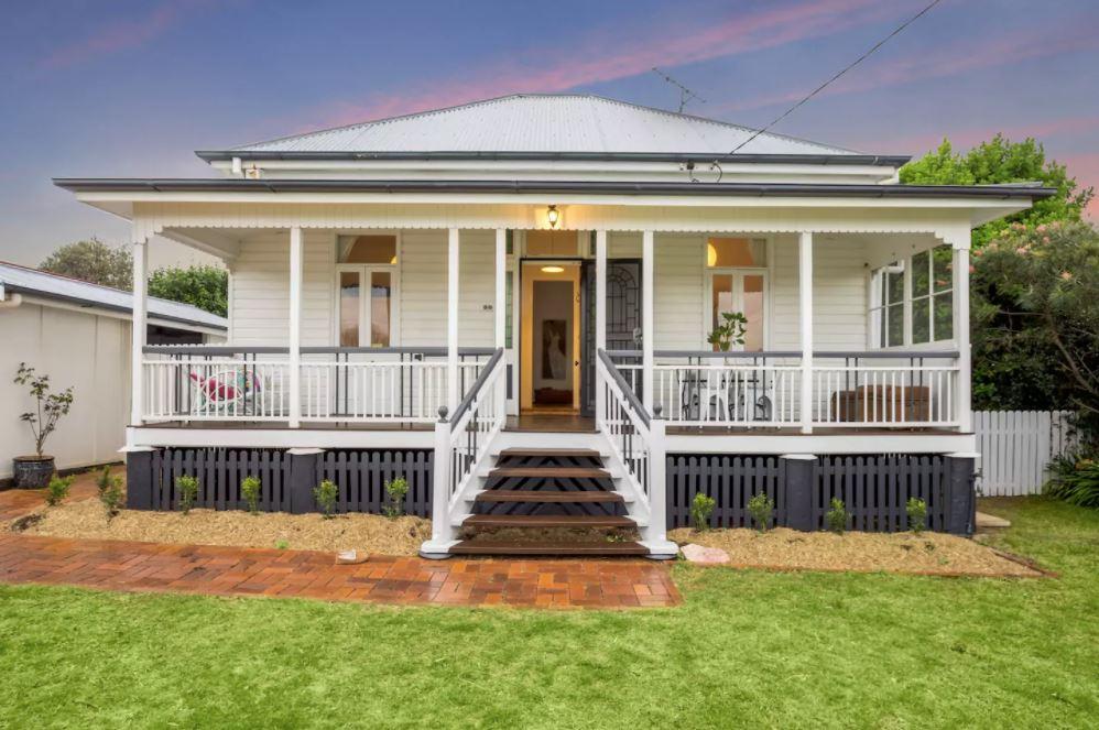 Edwina Farquhar's Airbnb propert in Rangeville, Kookaburra Cottage.