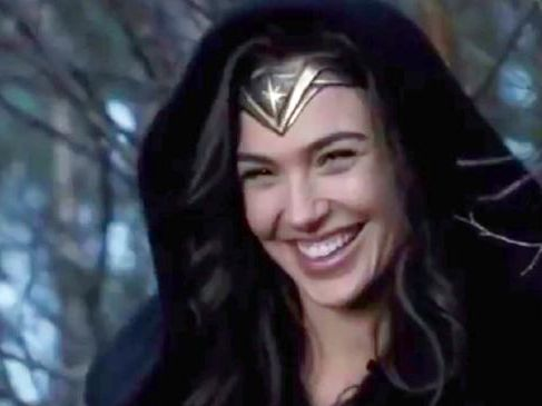Gal Gadot has released a hilarious blooper reel from the set of Wonder Woman.