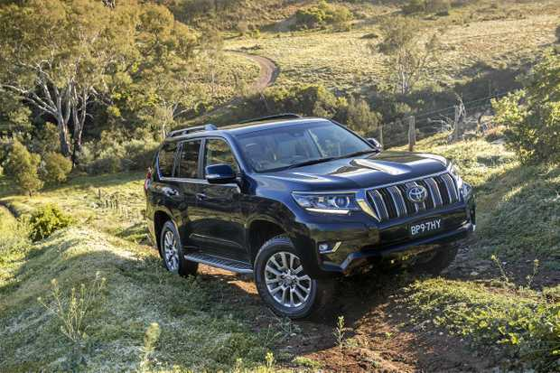 Toyota facelifts Land Cruiser SUV for 2018 at Frankfurt Motor Show