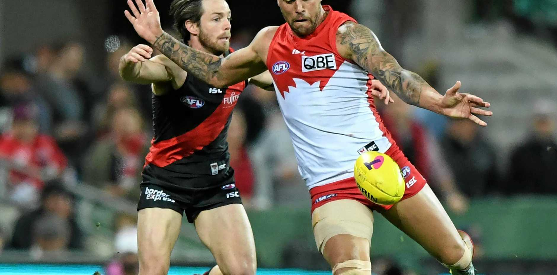 Lance Franklin should play against the Cats despite an injured hip last week against Essendon.