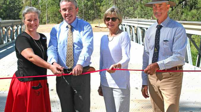 Mayor Danielle Mulholland, Page MP Kevin Hogan, Kyogle Councillor Maggie Creedy and Kyogle councillor Lindsay Passfield open Minneys Bridge, February 2017.