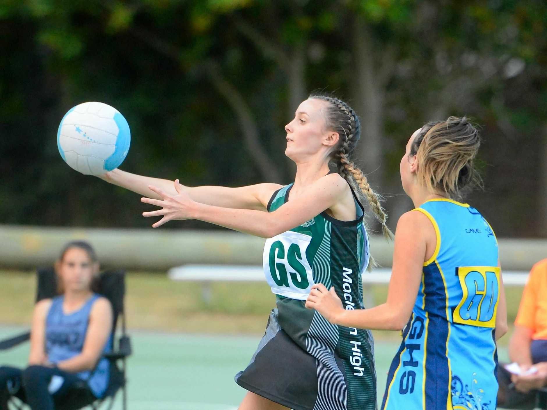 Grafton High School against Maclean High in year 9/10 Daily Examiner Netball Challenge Final.