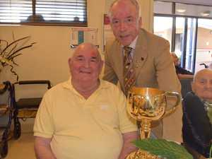 Richard Wood and Andrew Lemon with the Melbourne Cup