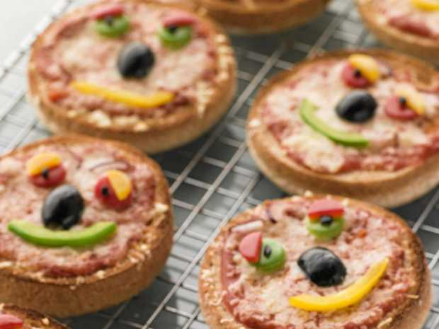 Get your kids cooking these holidays with these tasty mini pizzas.
