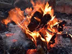 Furious woman suspects infidelity, sets fire to clothes