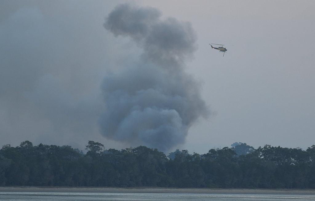 Fire burning in bush between Eli Waters and Dundowran.