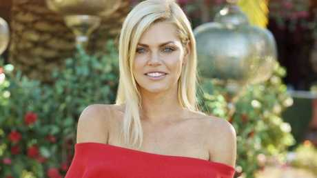 Blokes pull out all the stops to meet unlucky-in-love Sophie Monk.