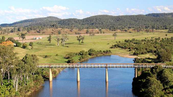 The historic Tabulam Bridge crossing of the Clarence River.