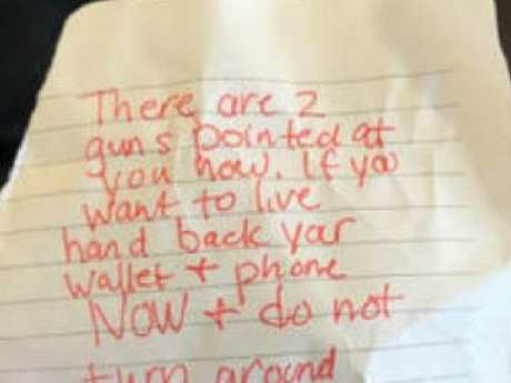 The terrifying note handed to the would-be victim. Picture: Twitter