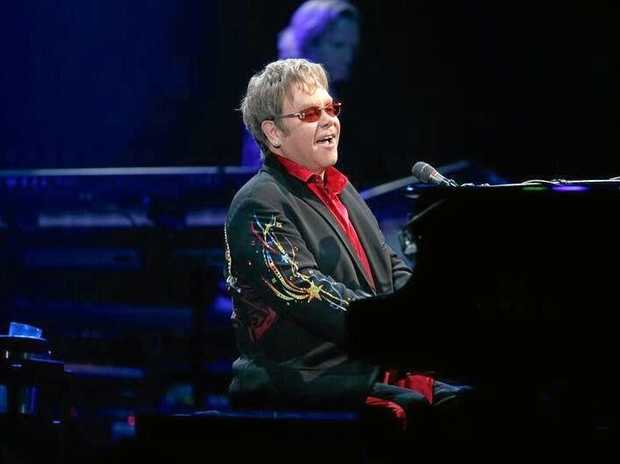 Elton John calls on Australians to legalise gay marriage