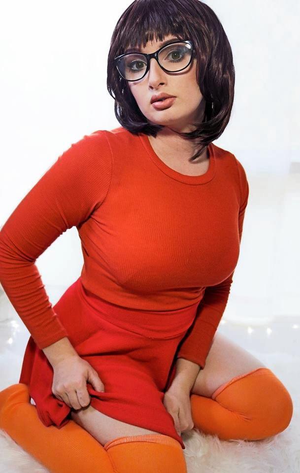 Jess Staardust as Velma from Scooby Doo.
