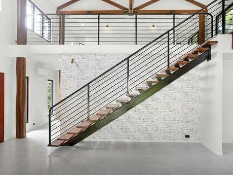 Lindsay Bates Building has won the quality workmanship award for this Mandalay home.