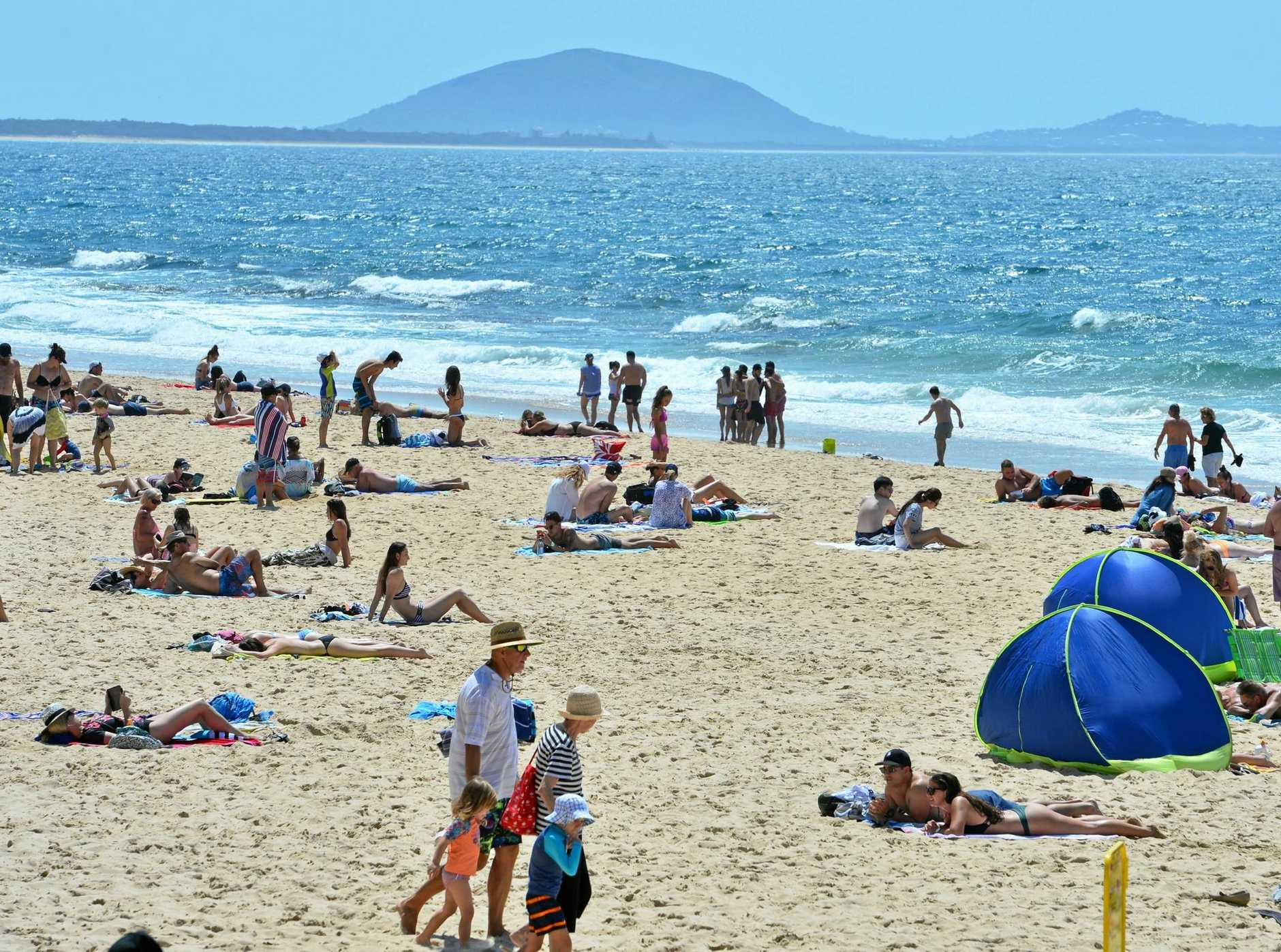 Sunshine Coast beaches will be packed for the remainder of the school holidays and heatwave conditions set to reach new peaks by Thursday.