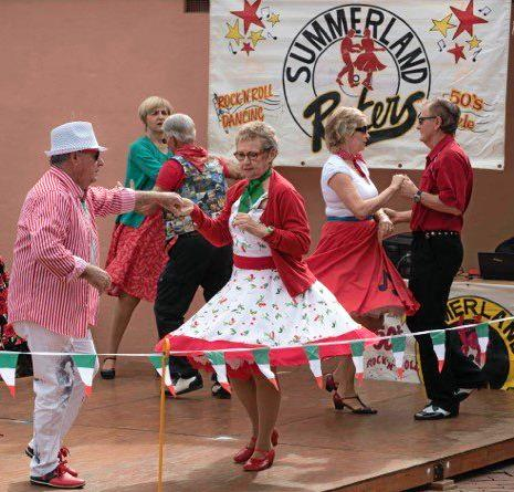 DIVERTITI: Italian food, music, dancing and more at the Piazza in the Park.