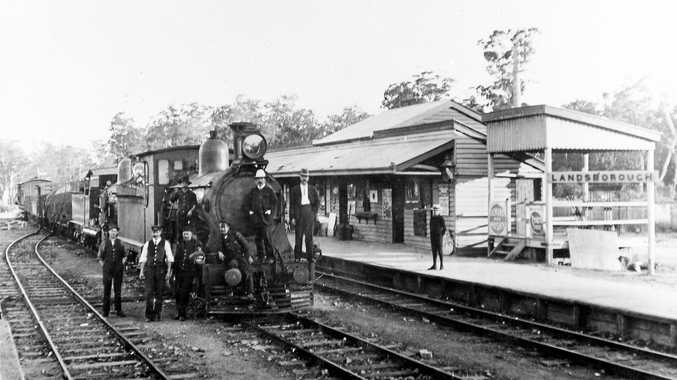The Gympie train with railway employees at Landsborough Railway Station in 1908.