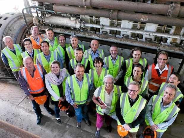 PUMPED: Back Row Jason Bridle (EE), DR Matthew Gordos (DPI), Dave Rawlins (COREM), Michael Hart (COREM), Ray Musgrove (retired hydro power station engineer), Tony Pfieffer (Enova), Svea Pitman (COREM) Steve Gough (EE). Middle Row: Kim Mallee (Byron Council), Ella Goninan (COREM) Annette Davies (CSU), Dr Lee Baumgartner (CSU), Nathan Nyg (CSU), Tom Clark (NSW Office of Renewable Energy Advocate), Mr Wright (community member). Front Row: Ross Kempnich (EE), Lauren Zell (OEH), Mark Tidswell (New Horizons Trust), Robyn Wright (heritage advocate), Hon Ben Franklin (MP), Dr Rob Passey (UNSW/COREM).