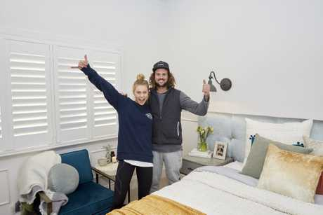 Josh and Elyse style their way to another room win.