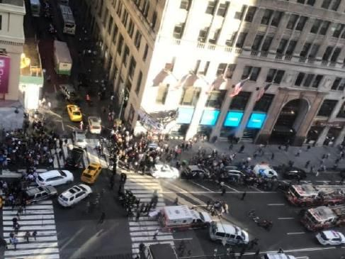 A van has ploughed into pedestrians at a busy New York intersection. Three people have been injured. Picture: Twitter (@mp_roberts)Source:Twitter