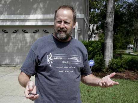 Eric Paddock, brother of Las Vegas gunman Stephen Paddock, speaks to reporters near his home
