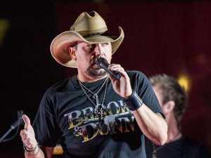 Singer who fled stage breaks silence