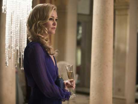 Julia Stiles as Georgina Clios in a scene from the TV series Riviera.