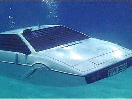 The Lotus submarine from