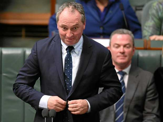 Australian Deputy Prime Minister Barnaby Joyce speaks during House of Representatives Question Time at Parliament House in Canberra. (AAP Image/Lukas Coch)