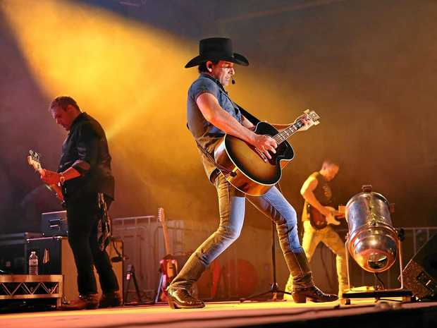 Lee Kernaghan will take to the stage at C.ex Coffs for a great night out.