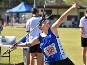 Juniors, Masters, hit athletics tracks