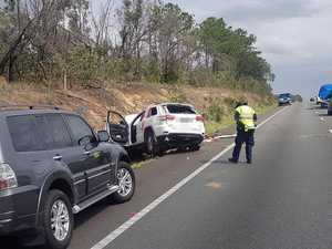 Crash officers keep Bruce Hwy lane closed for investigation