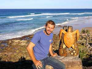 Wood-carver and chainsaw artist returns home to Bundy