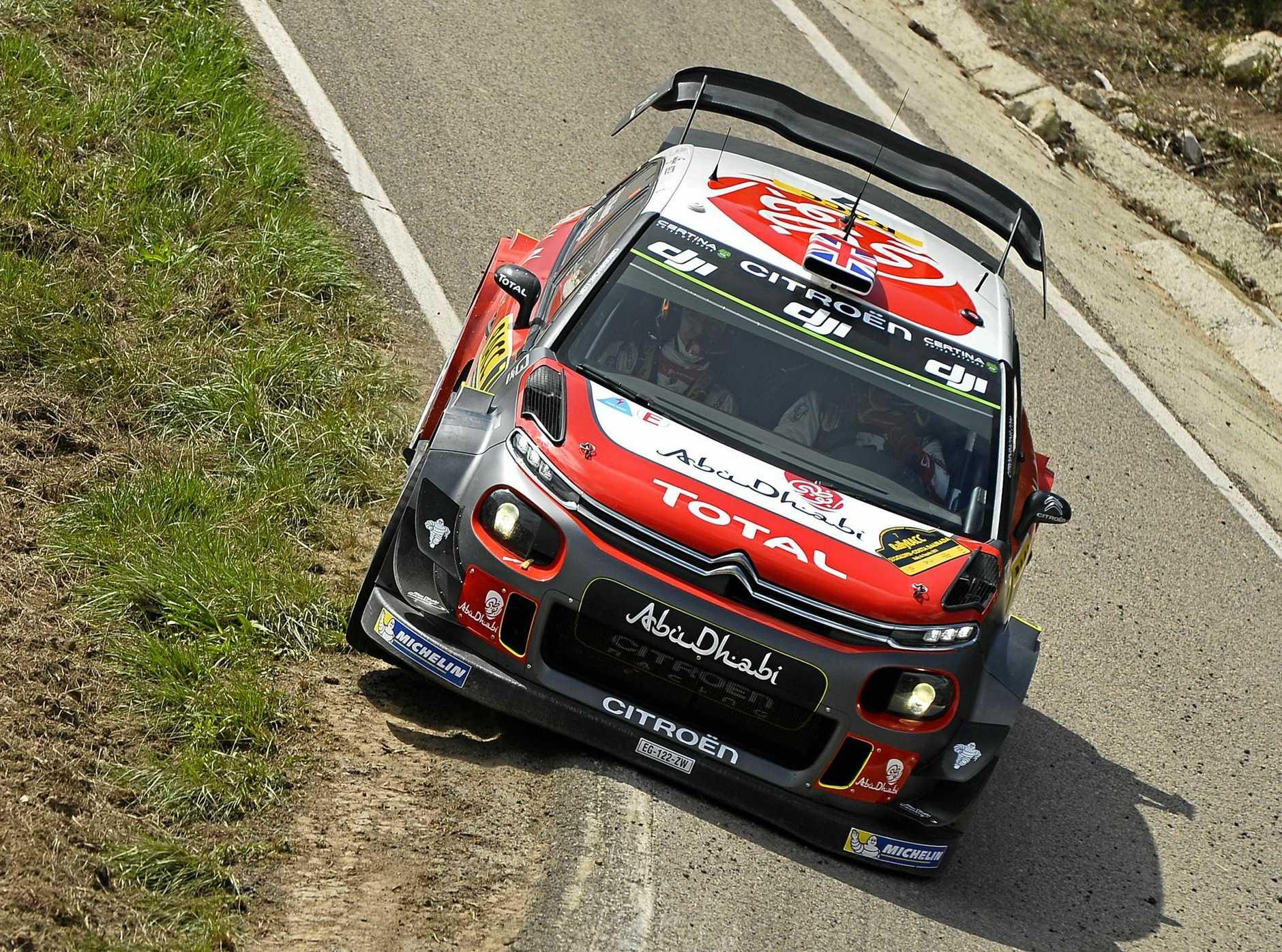 Kris Meeke cuts a corner in his Citroën on the way to victory in Rally de España.