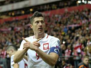Lewandowski's goals see Poland through to finals