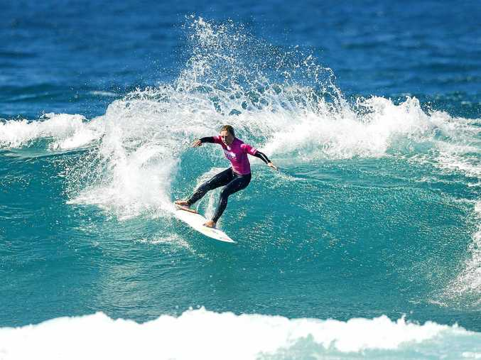 Nikki Van Dijk from Phillip Island took her first tour victory with a win at the Cascais Women's Pro in Portugal.