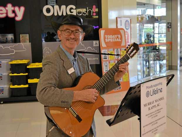 Murray Mandel performing at Dalby Shoppingworld.