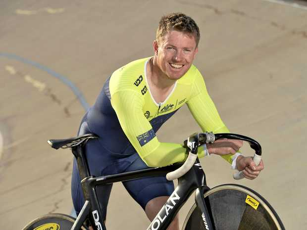 Toowoomba's Nathan Graves has claimed a second gold medal at the 2017 World Masters Track Cycling Championships in Los Angeles.