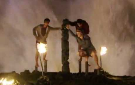 Jericho, Peter and Tara compete in Australian Survivor's final immunity challenge.